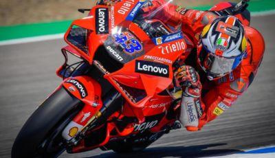 MotoGP 2021: doppietta Ducati a Jerez, Bagnaia in testa al Mondiale!