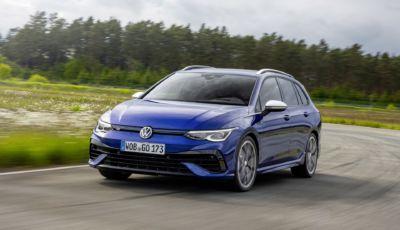 Volkswagen Golf R Variant: la station wagon sportiva parte da 51.585 Euro