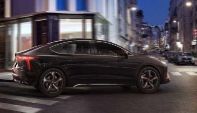 Mobilize Limo by Renault: l'elettrica destinata ai taxi e ai noleggi