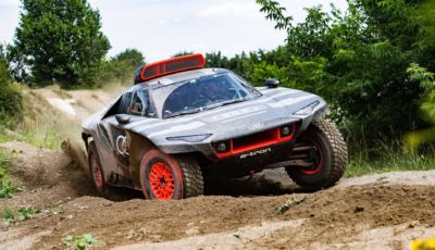 Audi si prepara alla Dakar 2022 con il prototipo RS Q e-tron