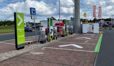 Auto elettriche: più ne vendono e meno se ne vedono in autostrada