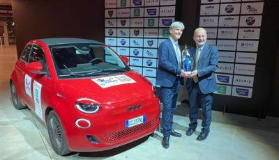 """Fiat 500 Elettrica: il """"cinquino"""" a batterie è la nuova Auto Europa 2022"""